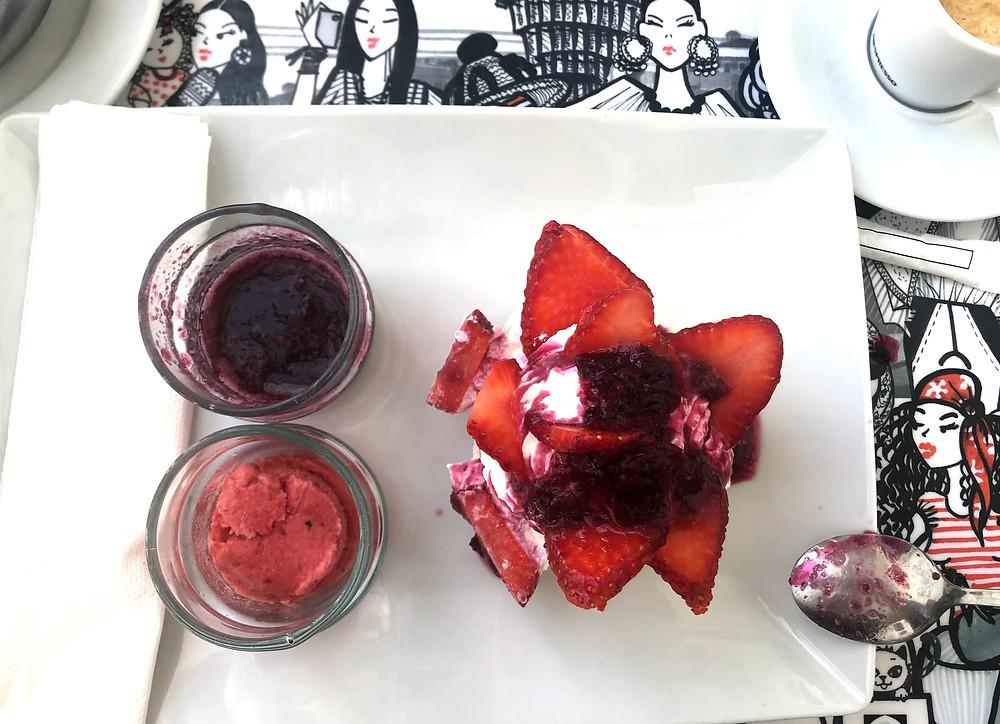 Las Chicas Tangier strawberry raspberry pavlova