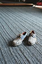 12_072BlueShoes_023.jpg