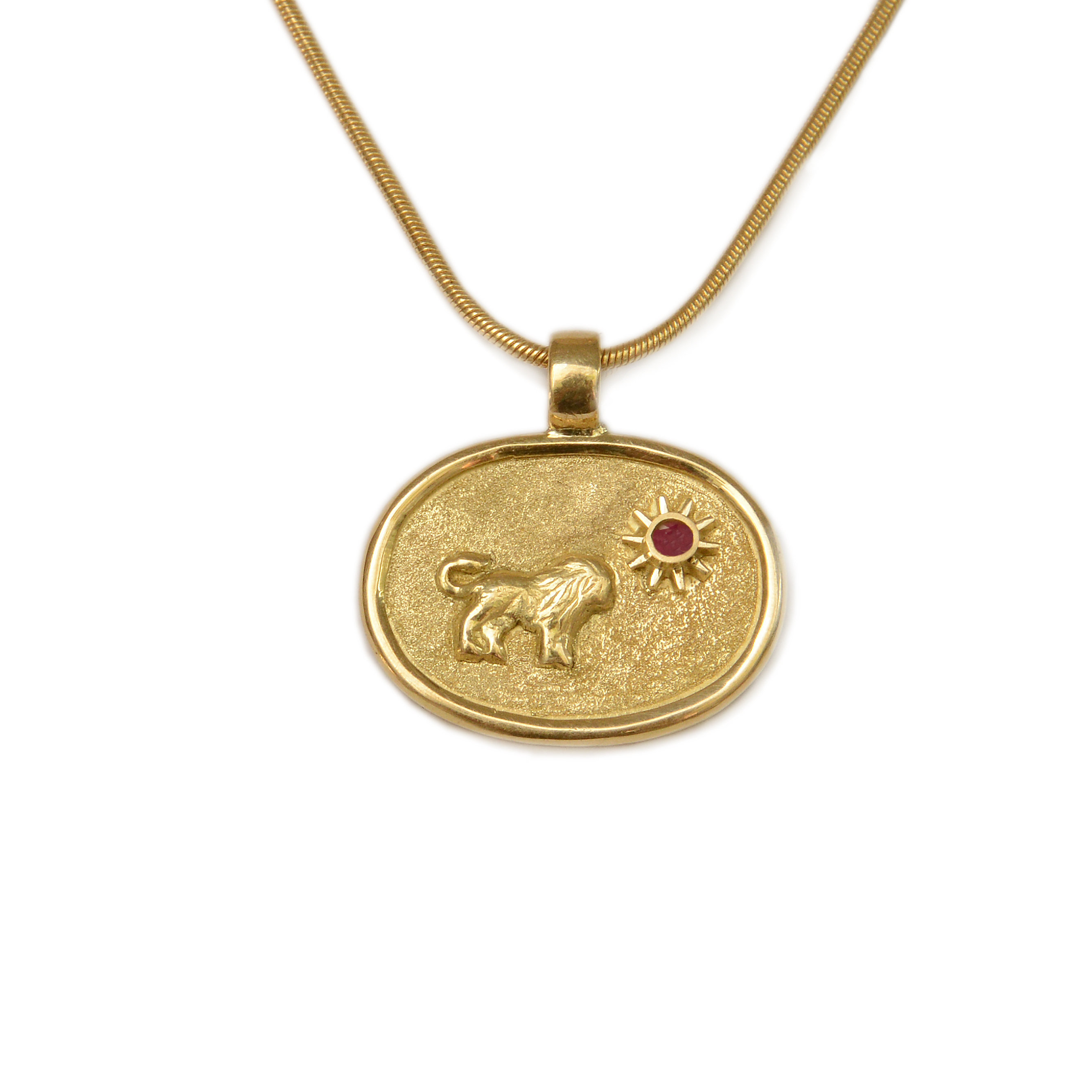lion products vermeil lions front pendant deux gold head one