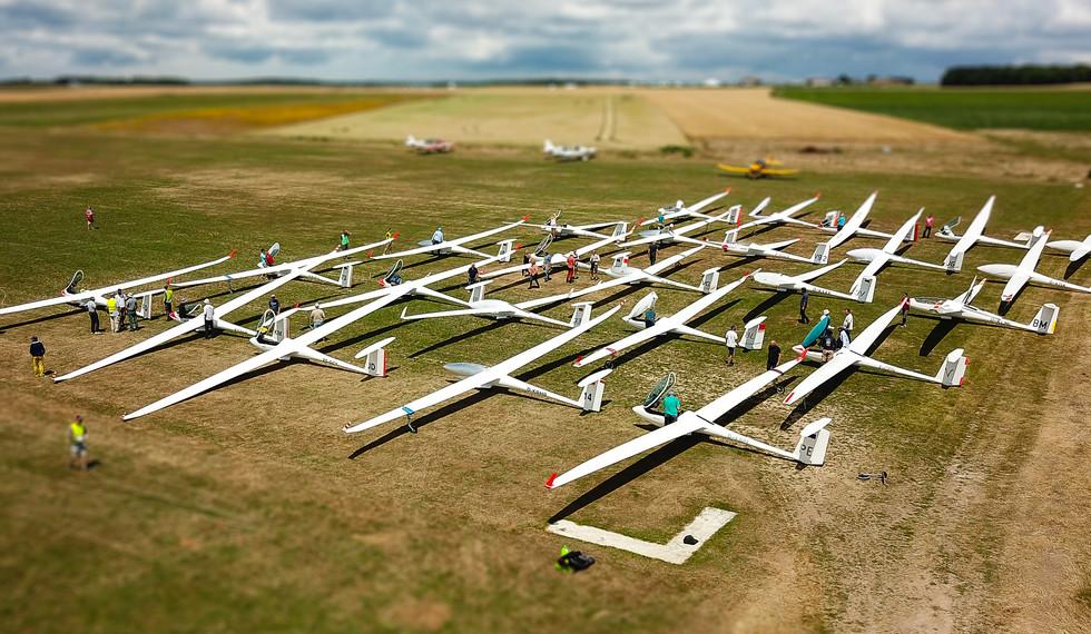 Aérodrome tiltshift 1.jpg