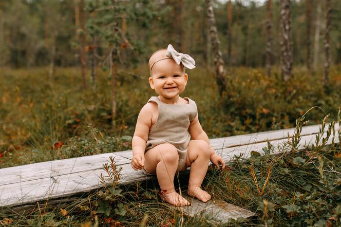 yksivuotiskuvaus pitkospuilla valokuvaaja Tiia Juutinen Oulu 5.jpg