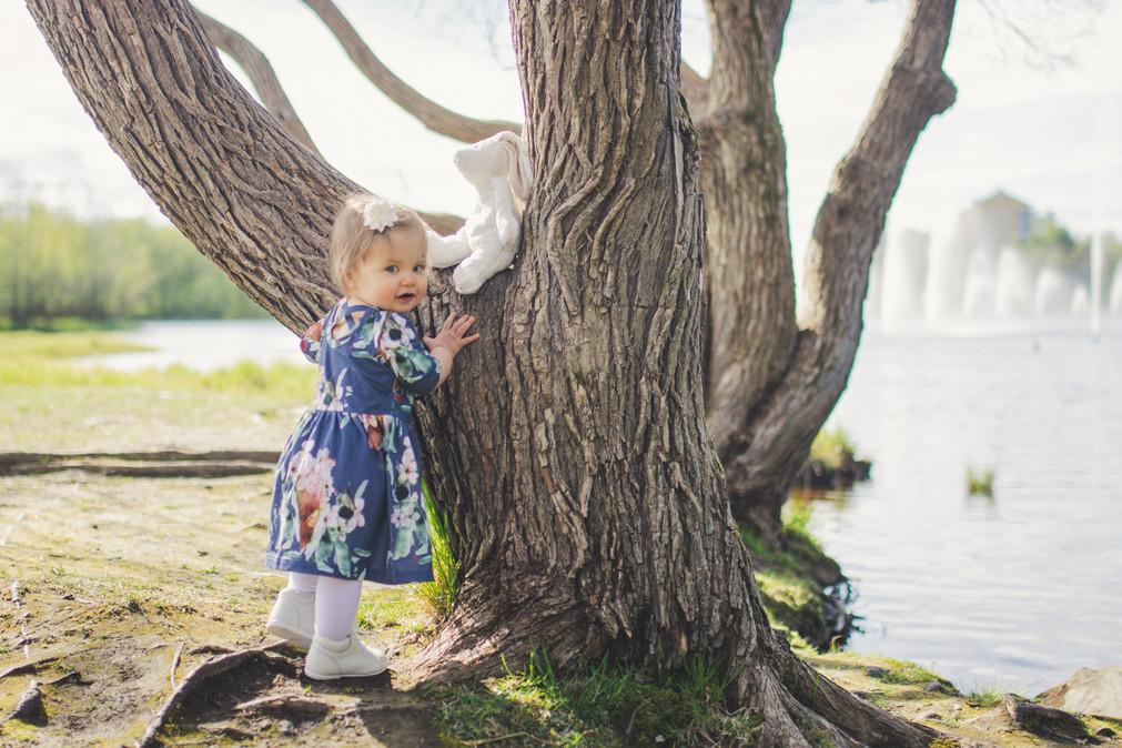 lapsikuvaus yksivuotiskuvaus Oulu Valokuvaaja Tiia Juutinen
