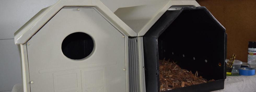 Dual shelled owl box