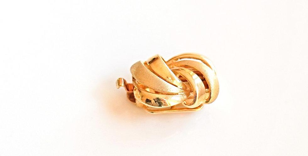 Ribbon Gold Clasp