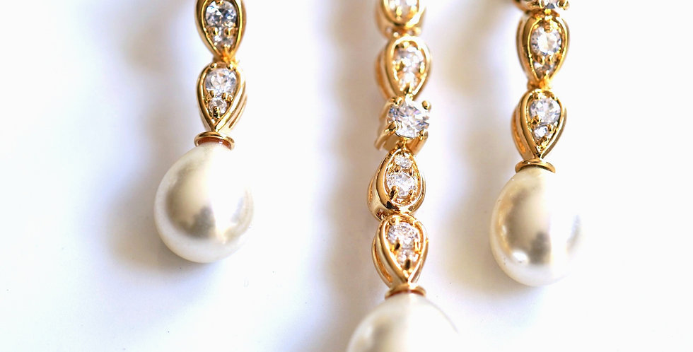 Drop Pearl Pendant Set