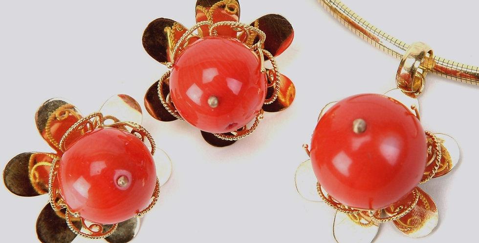 Coral Gold Pendant Set