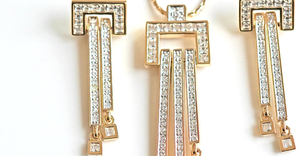 Chanel Diamante Pendant Set