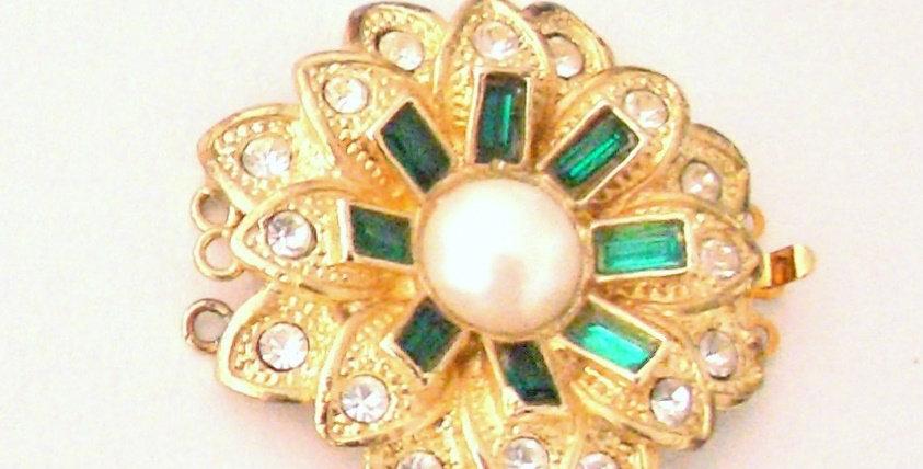 Emerald Dahlia Clasp