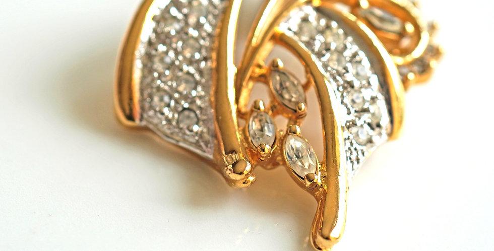 Ribbon Gold Pendant