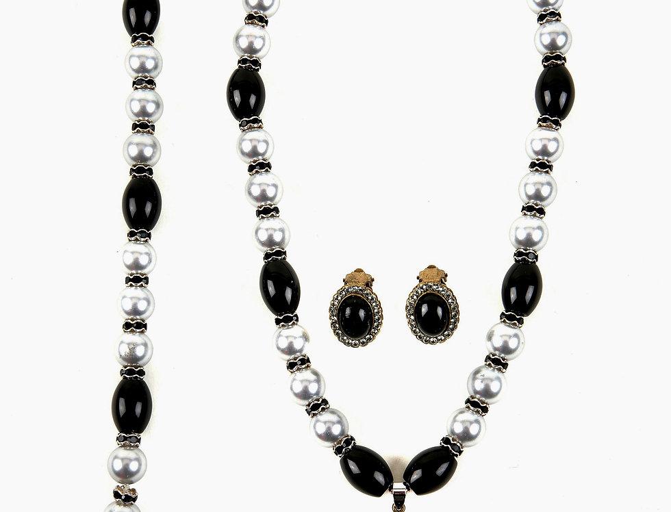 Admired Onyx & Pearl Set