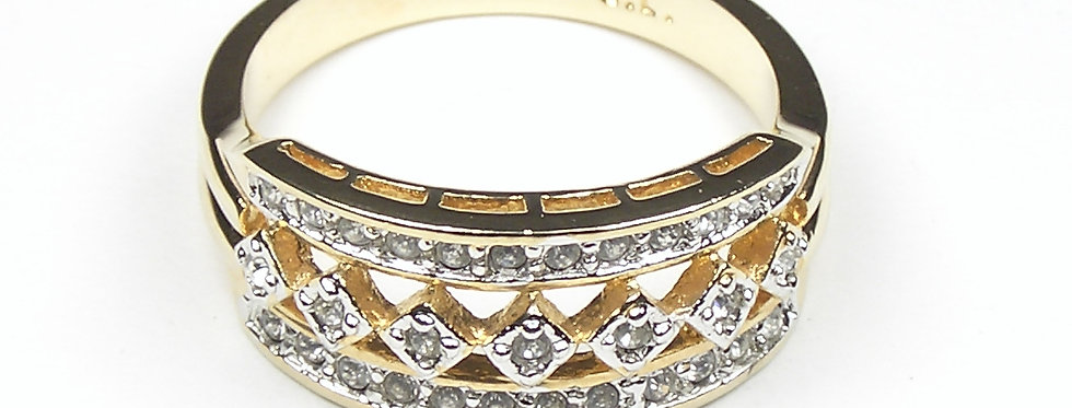 Gold Star Diamante Ring