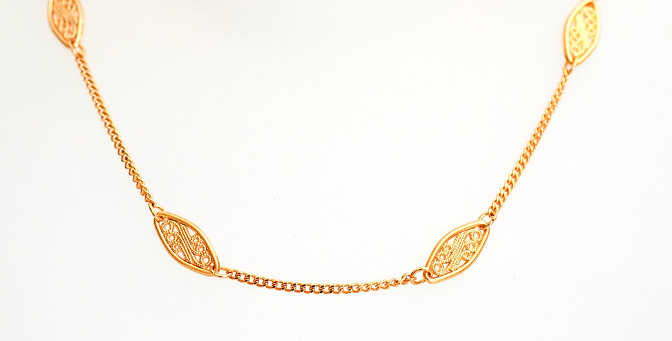 Curb Lozenge Chain x 12