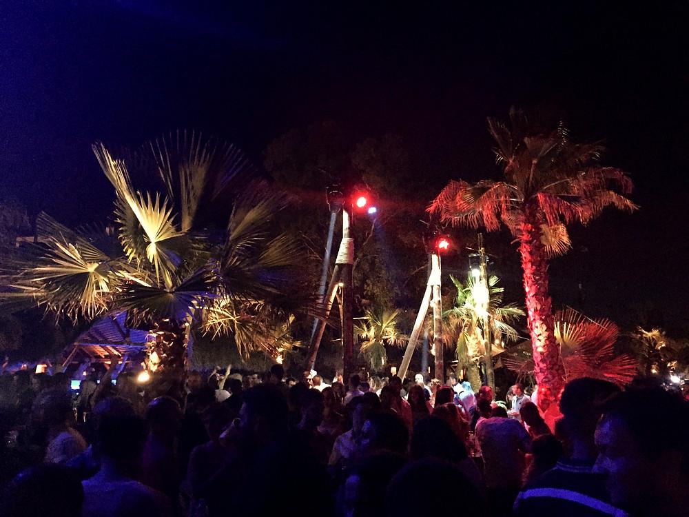 Athens seaside clubbing