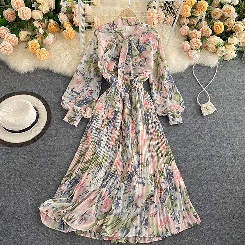 Romance - Maxi A-Line Pleated Floral Dress with Long Sleeves