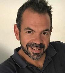 Oscar Castillo creador de Lola Formación