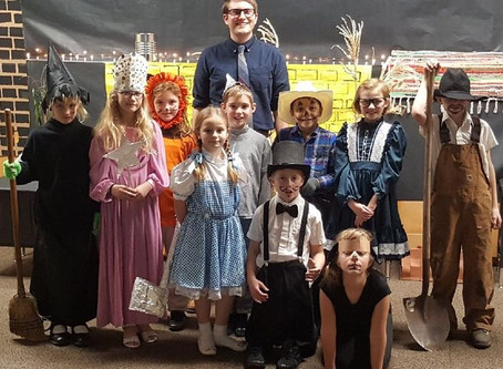 Summit 3rd and 4th Graders Follow the Yellow Brick Road