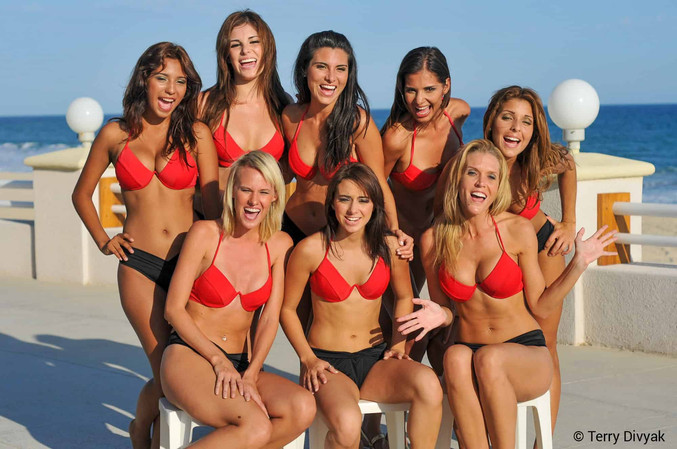 Group of bikini models in Mexico