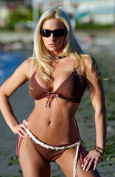 Bikini Model Alysia on Alki Beach in Seattle