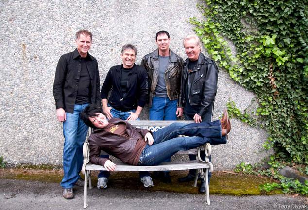 Somar Macek with Steve Fossen, Roger Fisher, Mike Derosier and Howard Leese of Heart
