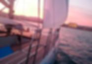 Puesta de sol en catamarán compartido en Palma de Mallorca