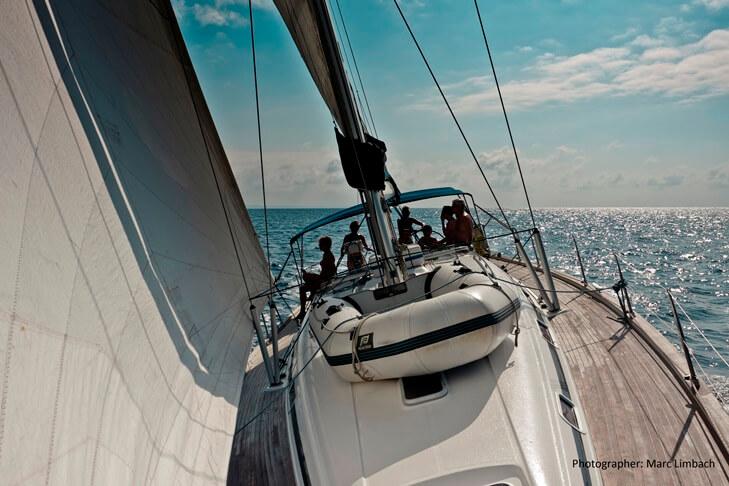 Navegando a vela