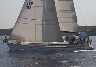 Alquiler velero en Portocolom conpatrón en exclusiva por días