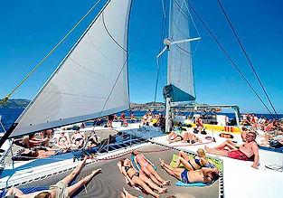Excursión compartida en catamaran a vela en el Puerto de Alcúdia