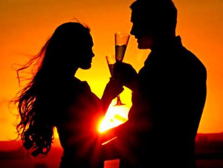 Atardecer romántico en velero en Mallorca