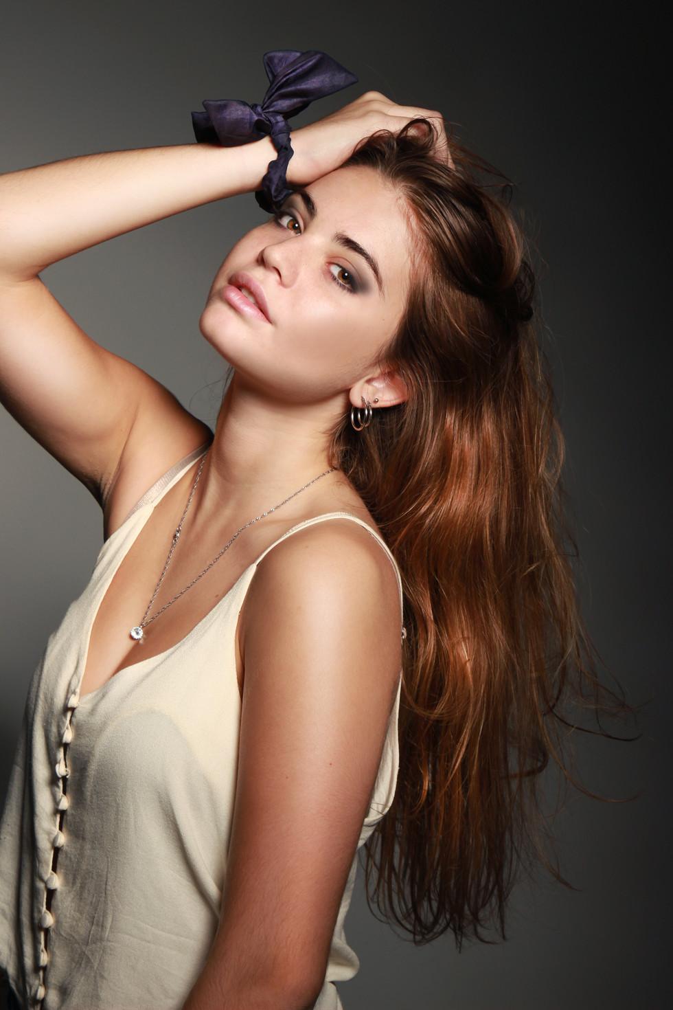 Alexa_moño__makeup_WEB.jpg