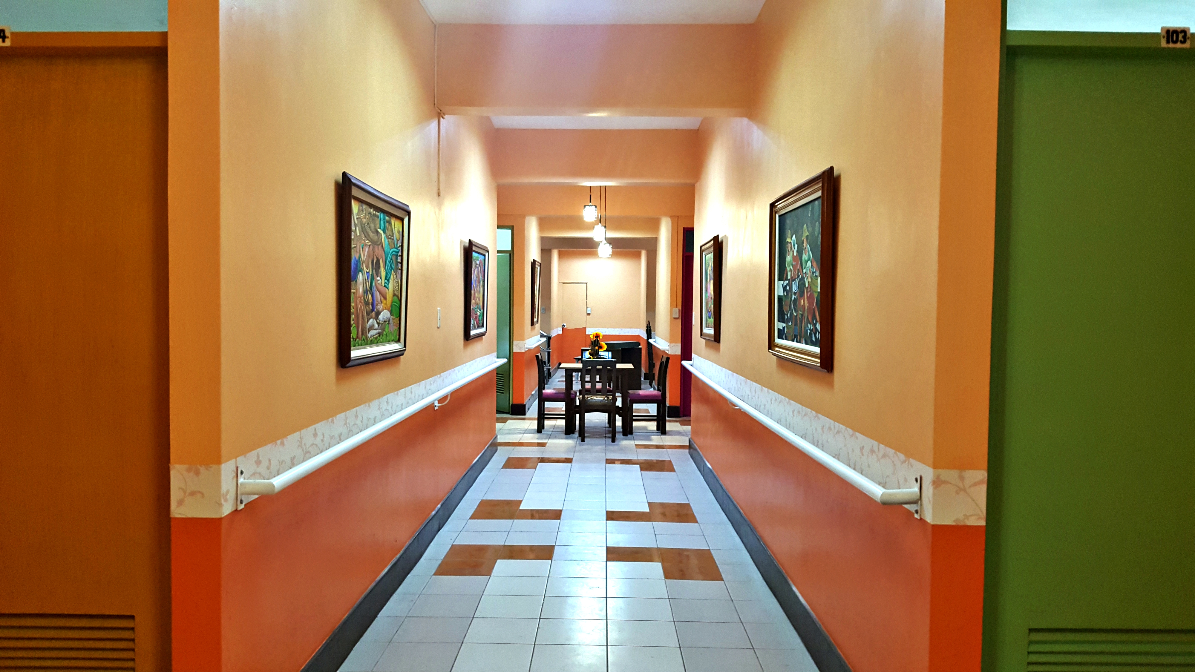 Hallway 2 Pura