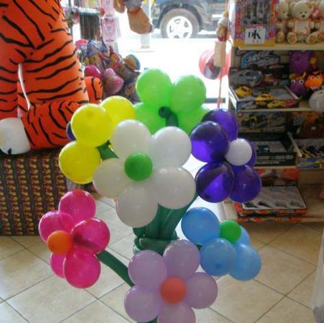 Σύνθεση  με πολύχρωμα λουλούδια