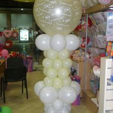 Μεγάλο μπαλόνι σε στήλη