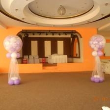 Στήλες γάμου με γεμιστό μπαλόνι