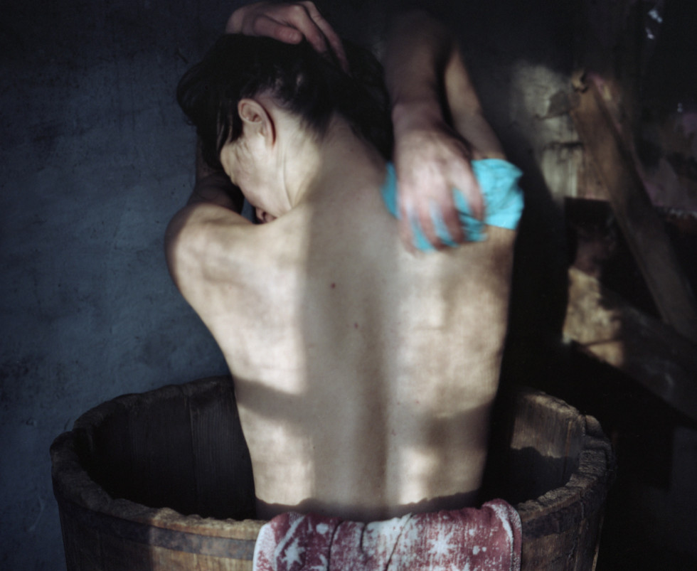Bathing  Inkjet archival prints signed and numbered: 5 + 2AP Includes certificate of authenticity. 40x40cm 5+2 AP