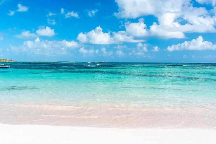 Antigua-Long-Bay-Beach-2-2048x1367.jpg