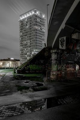 Under the Bridge (20 x 30cm)