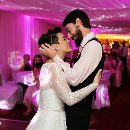 Choosing the first dance song for your wedding