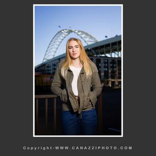 High School Senior Gal with Freemont Bridge in Portland Oregon _302.jpg