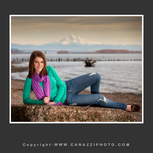 High School Senior Gal reclining by Columbia River with Mt. Hood in distance Vancouver Washington_246.jpg