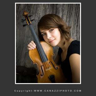 Close up High School Senior Gal with violin Vancouver Washington _240.jpg