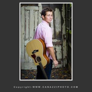 High School Senior Boy with guitar outdoors in Vancouver Washington_106.jpg