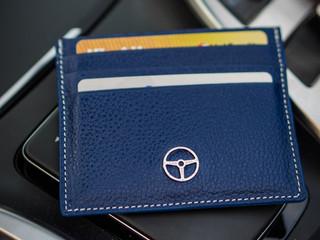Outlierman presenta nuevas billeteras y card holders
