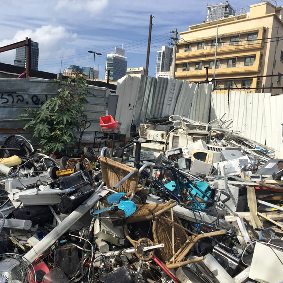 Scrap yard in Neve-Shaanan