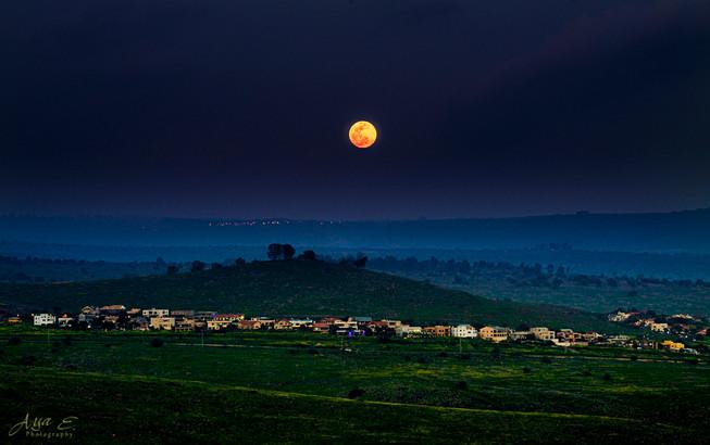 Full Moon above Had-Ness