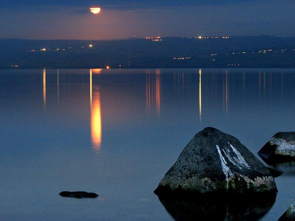 moon sea & stone