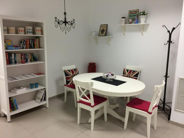 Salón Speaking Tea Room School of English