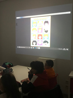 Clases inglés Movers con proyector