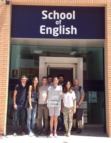 Alumnos de C1 - Advanced con profesora