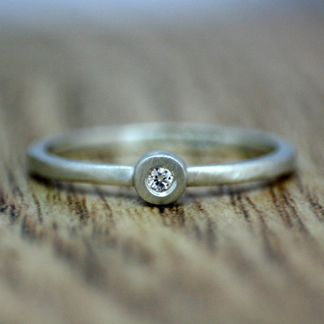 White Gold Simplicity Collection Ring