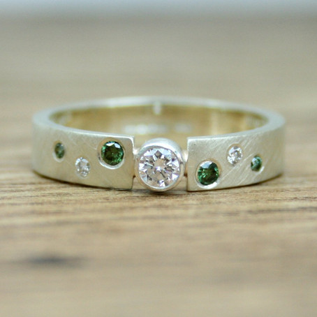 Ethical Green and White Diamond Gold Ring